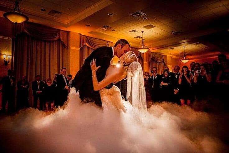 Hochzeitstanz mit Bodennebel Hochzeit NRW